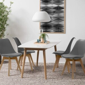 👉 Wracamy do klasyki! Chcielibyście powrót tego krzesła? 🤔❤️ . . #lukso #meblelukso #luksopl #zestawywypoczynkowe #zestawdosalonu #inpiracje #retro #glamour #salon #livingroom #interiorgoals #interior #interiordesign #interior4homes #instainterior #interior123 #interiorlovers #interioridea #moderninterior #domoweinspiracje