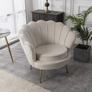 👉 Widzieliście już nasz nowy kolor fotela muszelka? 💖 Przepiękny beż wpasuje się w każde wnętrze 🔝👌 . . #lukso #meblelukso #luksopl #zestawywypoczynkowe #zestawdosalonu #inpiracje #retro #glamour #salon #livingroom #interiorgoals #interior #interiordesign #interior4homes #instainterior #interior123 #interiorlovers #interioridea #moderninterior